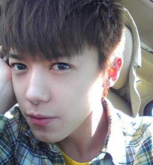 15岁帅哥照片