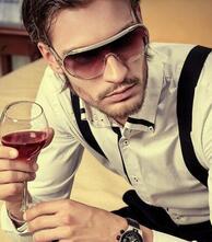 英俊的成熟男人图片