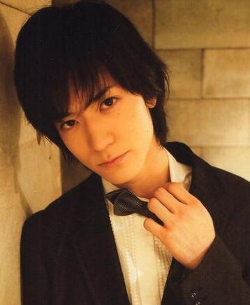 日本帅哥男明星图片